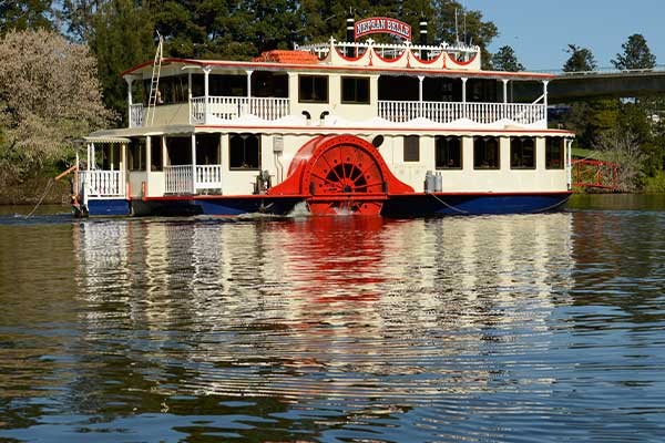 Photo of the Nepean Belle ship on the Nepean River
